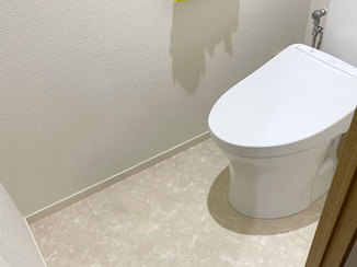 トイレリフォーム パイプスペースがあっても取り付けられるトイレ